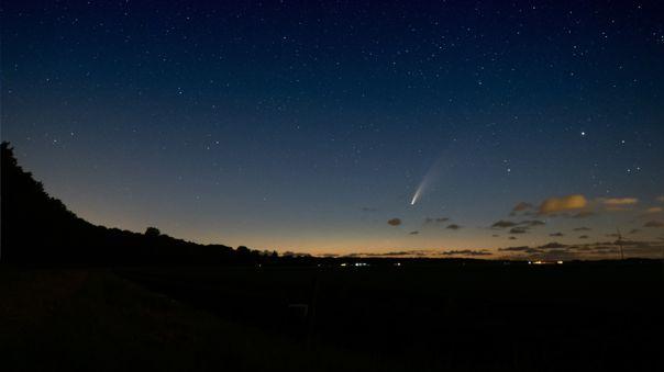 El cometa NEOWISE se puede ver simple vista y es el más brillante de todos los tiempos.